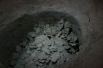 甲骨を廃棄した穴